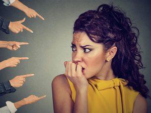 Fobia Sociale: come superare la paura delle relazioni e degli altri